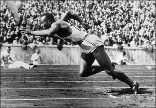 jesse-owens-1936-olympics-berlin-nazi
