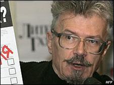 Former Exile Columnist Edward Limonov Jailed For 10 Days