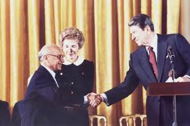 reagan-milton-friedman