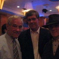 """Say """"Heil!"""" Ron Paul Posing For Photo With Head Of Neo-Nazi """"Stormfront"""" Don Black & Son"""