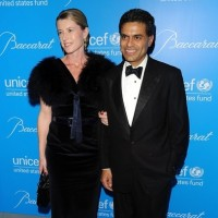 SHAME BLOG: TIME & CNN Restore Fareed Zakaria's Most Favored Corporate Lackey Status