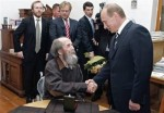 "eXile Classic: Edward Limonov's ""Solzhenitsyn Sells Out!"""